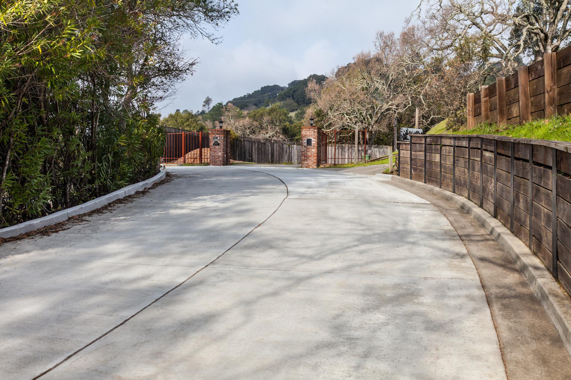 Concrete Contractor » Broom Finish Concrete